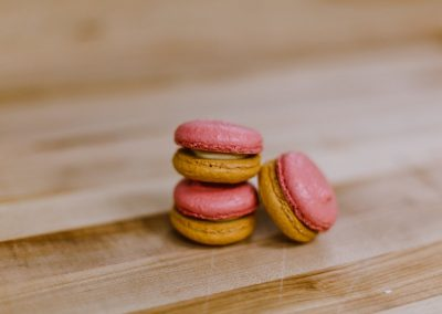 French Macarons in Pastries_Individual desserts